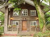 陽明山菁山露營:小木屋正面