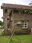 陽明山菁山露營:小木屋側面