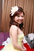 yvonne 新娘~姿婷於中和晶宴會館訂婚造型紀錄:1697720963.jpg