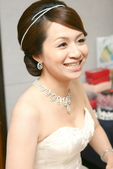 yvonne 新娘~斯謙於維多莉亞飯店宴會造型紀錄:1811358439.jpg