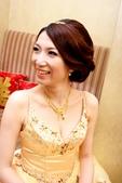 yvonne新娘~玠文於中崙華漾飯店婚宴造型紀錄:1626682147.jpg
