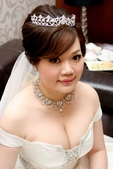 yvonne新娘~彥利於環球國際宴會廳婚宴造型紀錄:1898213487.jpg
